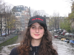 Lucy_in_dword_hat_1